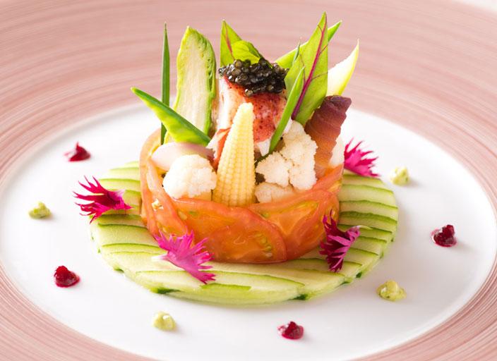 カナダ産オマール海老と彩り野菜のシャルロット
