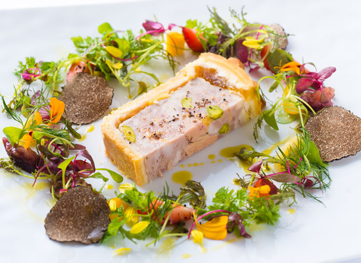 宮崎県産冠地鶏とフォアグラのパテ アンクルート