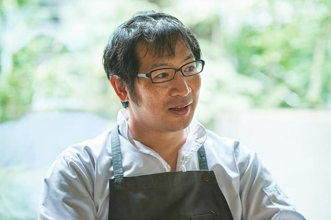 移住した石垣島でシェフを任され、料理人として視野が広がる。