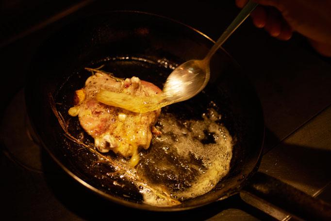最初の師匠は、料理上手な母親だった。