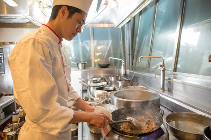 店を回していく司令塔ポジションを経て、料理人として成長