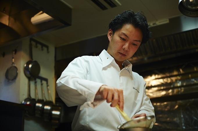 1年間の期間限定で、若手シェフを育てるレストランで働く。
