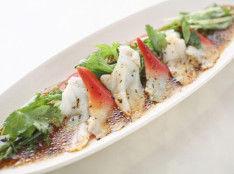 つぶ貝とホッキ貝のワサビドレ風カルパッチョ