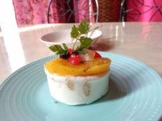 オールスパイスの香りのフルーツコンフィ ヨーグルトフレッド