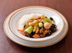 鶏肉と青梗菜入り八宝菜のあんかけご飯