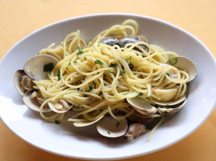 スパゲッティ 小蛤と青唐辛子のソース