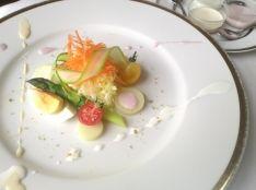 3種のパルテノドレッシングを新鮮なサラダと共に