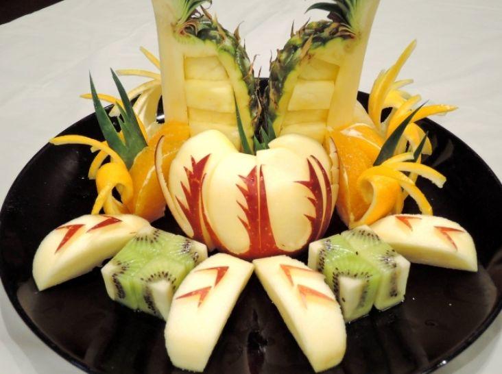 お手頃な果物でフルーツ盛り合わせ