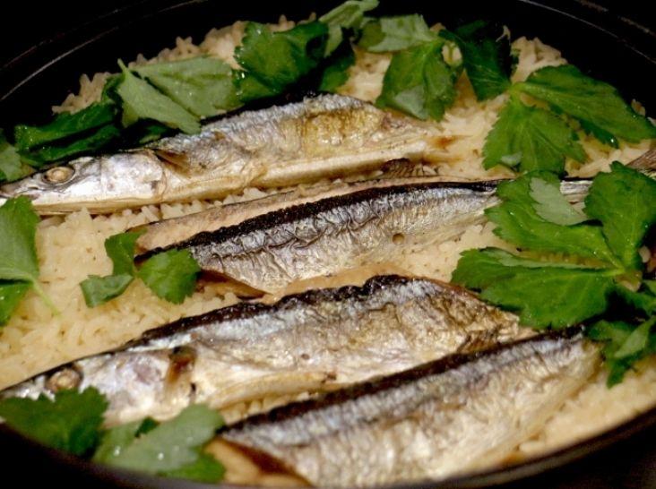土鍋で炊く秋刀魚御飯