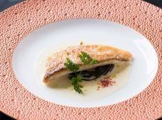 紅王(甘鯛干物)ポワレ アラから出汁をとった軽いバターソース