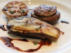 豚ひき肉のサルシッチャ 野菜の挟み焼き