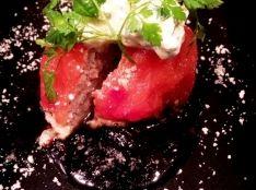 トマトと香草のファルス~バジルホイップと赤ワインソース~