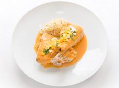 プーレ オ ヴィネグル(鶏のビネガー煮)バターライス添え