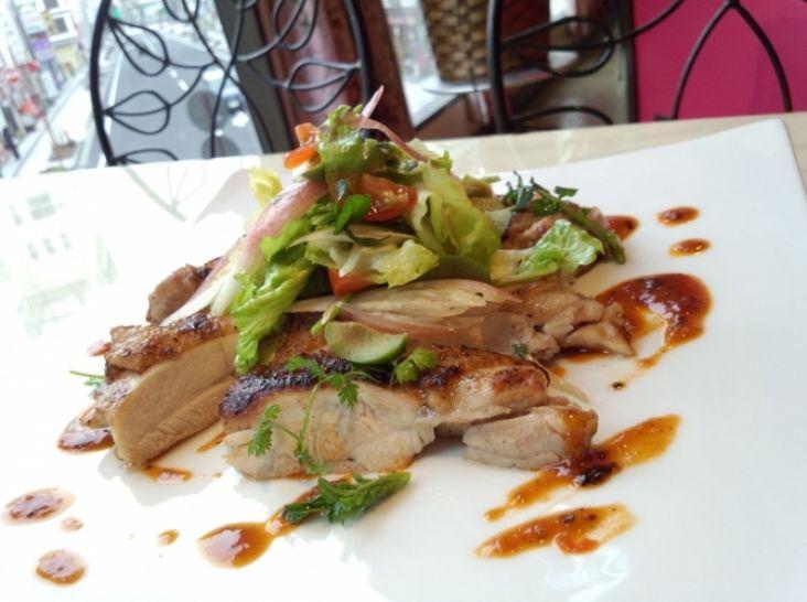 ベトナム風焼き鳥 ハノイスタイル 「ティット・ガー・ヌオン」