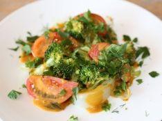 しょうゆサバイヨンソースをかけた温野菜