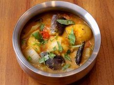 サンバル(豆と野菜のカレー)