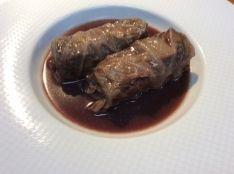 シンプルに 蝦夷鹿のロールキャベツ 赤ワイン煮