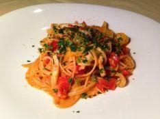 ヤリイカとお野菜のトマトクリームソーススパゲッティ
