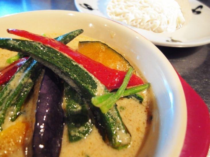 島原手延素麺のグリーンカレーつけ麺