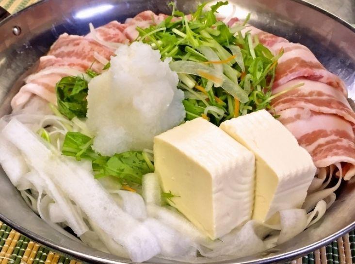 大根麺のヘルシー豚バラみぞれ鍋