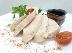 手作りチーズかまぼこ 鰹の香り 麺つゆを添えて。