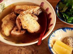 鶏手羽とレンコンのスープ