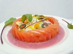トマトの宝石サラダ仕立て ピンクのドレッシングで。