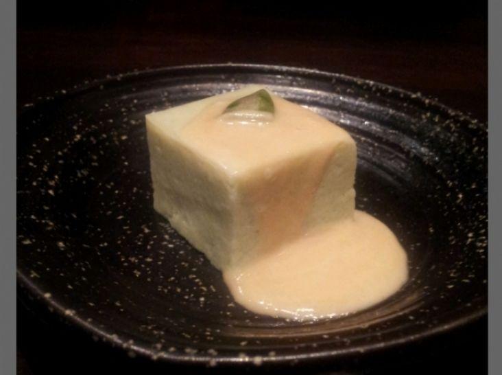 グラパラリーフのお豆腐  胡麻餡掛け