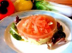 トマトとアボカドポテトサラダのお菓子仕立て