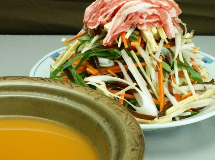 陰陽五行に基づいた栄養バランス「レインボー鍋」