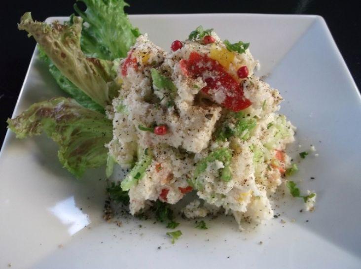 オカラと野菜でかさまし!ヘルシーでスパイシーなポテトサラダ
