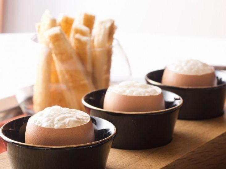 プカプカ卵黄のクリームソース