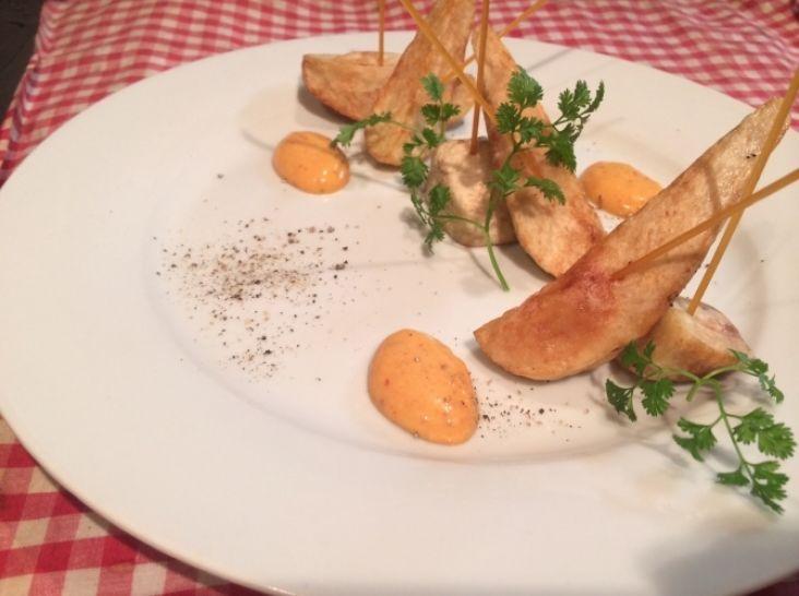 里芋のフリット ピンチョス仕立て スパイシーマヨネーズ