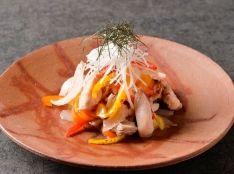 南国元気鶏モモ肉とカラーピーマンのサラダ