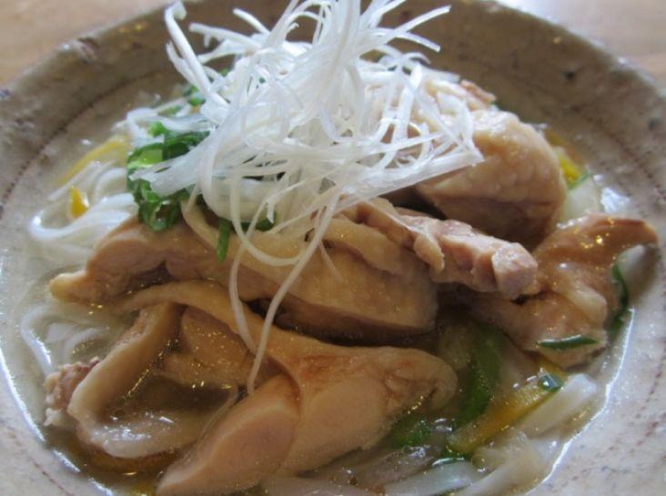 やわらか鶏肉のベトナム風そうめん