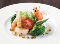 海老 ホタテと野菜のグリエ 黒オリーブソース