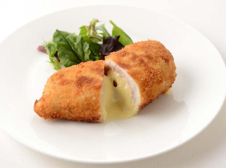 チキン・コルドン・ブルー(鶏むね肉のチーズはさみ揚げ)
