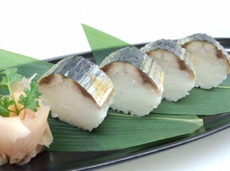 焼き秋刀魚の棒寿司仕立て