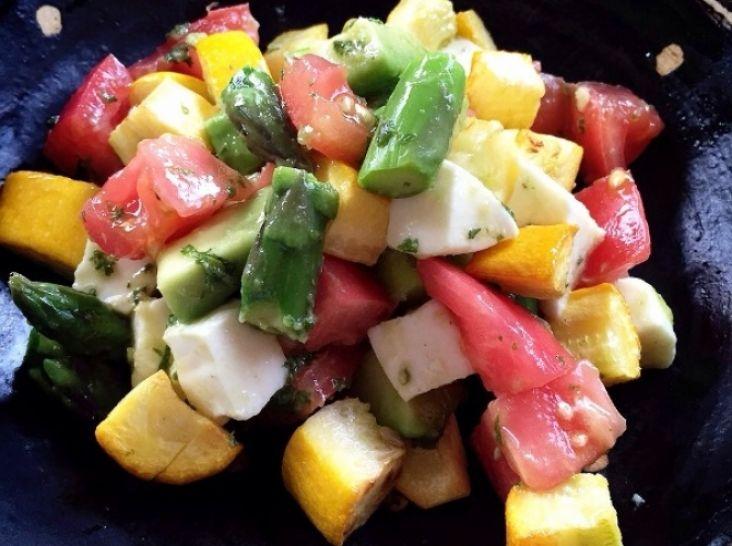夏野菜のカプレーゼ風サラダ