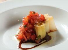 長ネギのロースト フレッシュトマトソース バルサミコ風味