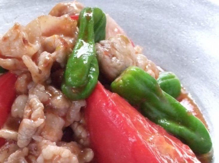 トマトと豚バラ肉炒め