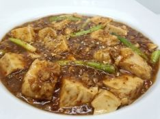 麻と辣の本場の四川の麻婆豆腐 ごはんおかわりくん