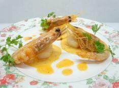 魔法の海老とホタテのサフラン風味 軽いアメリケ一ヌソース