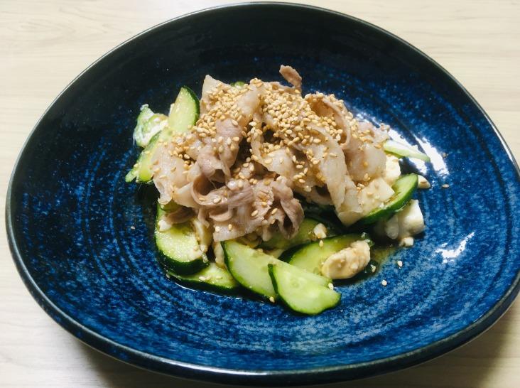 あぐー豚とキュウリのごま酢和え~お豆腐にのせて~