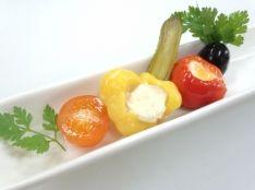 前菜盛り合わせ オリーブ、ピクルス、チーズベジタブル