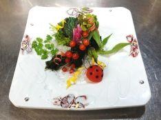 彩り野菜と海野菜の出会い~共ドレッシングで~