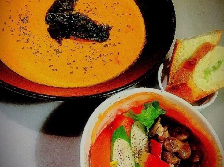 冬の味覚コクと旨味の濃厚トマトクリーム鍋