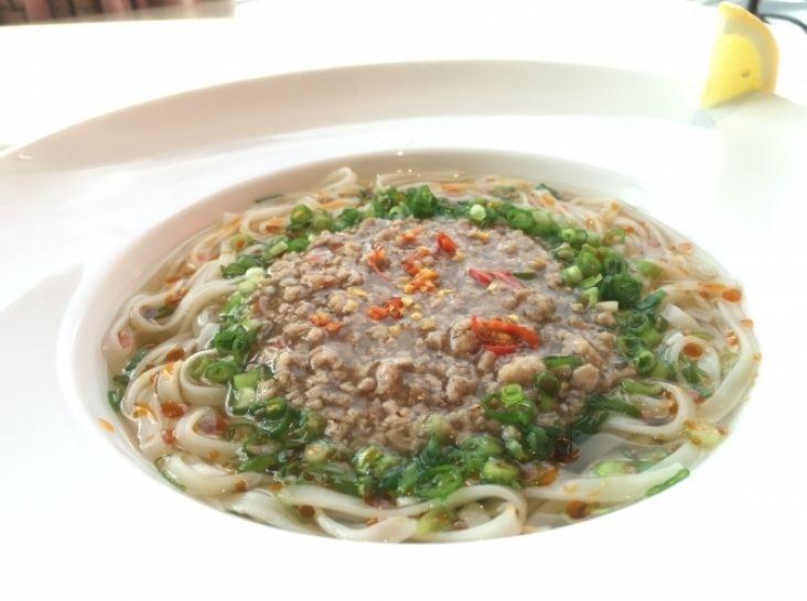 ベトナム風激辛塩タンタン麺