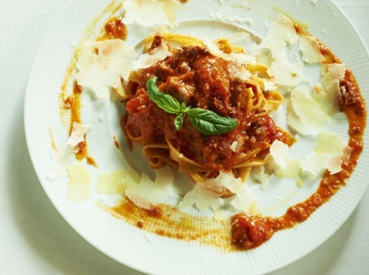 タリアテッレ 3種類のトマトを使ったソース