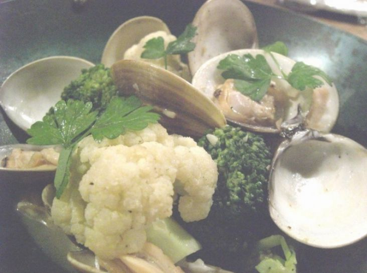 旬菜・蛤のバター蒸し